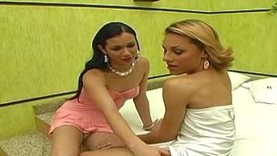 Mylena&Kalena sexy shemales in activity